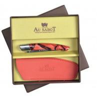 Coffret cadeau  comprenant 1 Couteau Le THIERS  AU SABOT manche décoration rouge torsade et 1 étui en cuir rouge